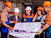 Personnes de groupe d'affaires dans le casque de constructeur Image libre de droits