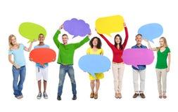 Personnes de groupe partageant le concept de travail d'équipe d'idées image stock