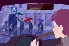 Personnes de observation de jeune conducteur femelle à un passage piéton Photo libre de droits