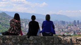Personnes de paysage de Sarajevo banque de vidéos