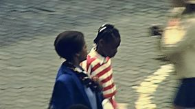 Personnes de race noire de Bruxelles banque de vidéos