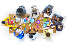 Personnes diverses et concepts sociaux de mise en réseau illustration de vecteur