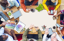 Personnes diverses travaillant et espace de copie Image libre de droits