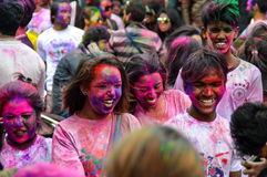Personnes heureuses de partie de festival de Holi Images stock