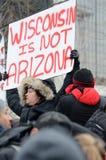Personnes hispaniques à une protestation d'immigration dans le Wisconsin Image libre de droits