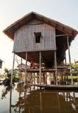 Personnes locales dans le lac Inle, Myanmar Photographie stock libre de droits