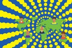 Personnes multi-ethniques de collage sur la carte du monde Les diff?rents portraits de personne de collection ont plac? cinq cont illustration libre de droits