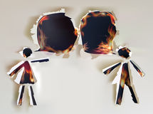 Personnes parlantes, conception de papier déchirée abstraite et flammes Photo libre de droits