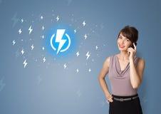 Persoon die levensduur batterijconcept voorstellen royalty-vrije stock afbeelding