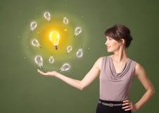 Persoon die nieuw ideeconcept voorstellen stock afbeelding
