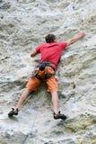 Persoon die op de rots in Engelberg beklimmen Royalty-vrije Stock Afbeelding
