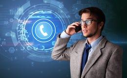 Persoon die op de telefoon met het roepen van concept spreken royalty-vrije stock afbeelding