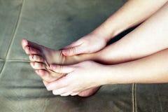 Persoonlijke voetmassage Stock Foto's