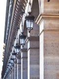 Perspecive-Ansicht über äußere Laterne in Paris lizenzfreie stockfotografie