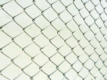 Perspectief van de omheining van het draadnetwerk Royalty-vrije Stock Foto's