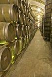 Perspectief van wijncontainers Stock Foto