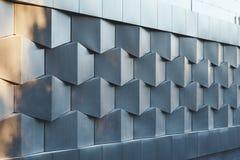 Perspectiefmening van futuristische nieuwe bouw van het muur de zwarte metaal Royalty-vrije Stock Foto