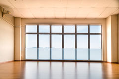 Perspectiefmening van lege die studio met licht van winst wordt verlicht Royalty-vrije Stock Foto