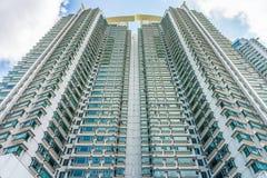 Perspectiva da construção do condomínio do arranha-céus Imagens de Stock