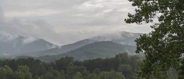 Perspectiva de la cima de la montaña Fotografía de archivo libre de regalías