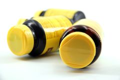 Perspectiva de las botellas de píldora fotos de archivo libres de regalías