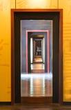 Perspectiva de las puertas fotos de archivo libres de regalías