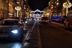 Perspectiva de Nevsky en las decoraciones del Año Nuevo Fotos de archivo