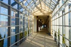 Perspectiva de vidro do interior do salão fotos de stock royalty free