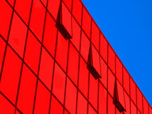 Perspectiva do buildi industrial moderno da parede de vidro fotos de stock