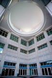 Perspectiva granangular en la entrada del centro de convención Fotos de archivo libres de regalías