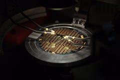Perspectiva isométrica de um microchip   Foto de Stock Royalty Free