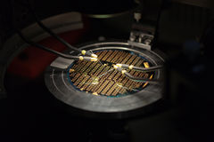 Perspectiva isométrica de un microchip   foto de archivo libre de regalías