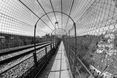 Perspectiva peatonal del túnel Imágenes de archivo libres de regalías