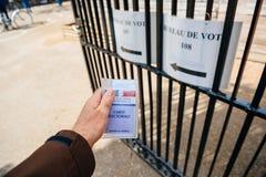 Perspectiva personal de Bureau de Vote, pov fotografía de archivo