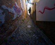 Perspectivas y entradas de la Lisboa vieja portugal foto de archivo libre de regalías