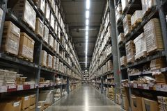 Free Perspective And Depth Of Field Of Large Hangar Warehouse Industrial And Logistics Companies Royalty Free Stock Photography - 123064067