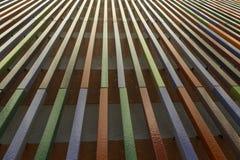 Perspective composée de lignes verticales s'élevant  photo stock