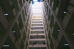 Perspective d'intérieur d'immeuble de bureaux Image libre de droits