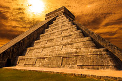 Perspective of El Castillo (The Kukulkan Temple) of Chichen Itza Stock Photo