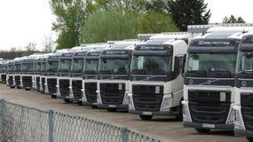 Perspektiv av lastbilar för industriell transport Royaltyfria Foton