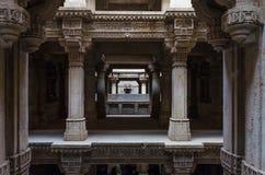 Perspektive von Adalaj Stepwell in Ahmedabad Lizenzfreies Stockbild