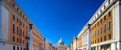 Ansicht von St- Peterbasilika Stockfotografie