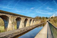 Perspektivsikt av Chirk viadukten och aquaduct Arkivbild