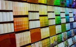 Perspektywiczne linie próbka barwią podcieniowanie wybiera pokazu przy kolor farbą zdjęcia stock
