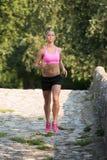 Perte de poids modèle de Running Outdoors Trying de forme physique image libre de droits