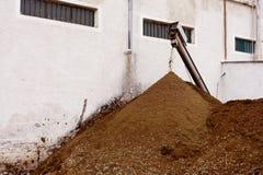Perte olive de moulin : Orujo images libres de droits