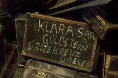 Pertenencia (maletas) de la gente matada en Auschwitz Fotos de archivo libres de regalías