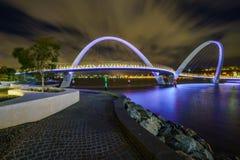 Perth Australien - oktober 18, 2018: elizabeth kajbro på natten arkivbilder