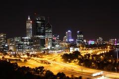 Perth bij Nacht Stock Afbeelding