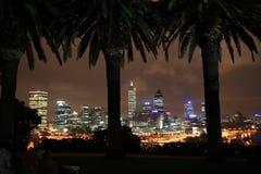 Perth bij nacht, Westelijk Australië Stock Afbeelding